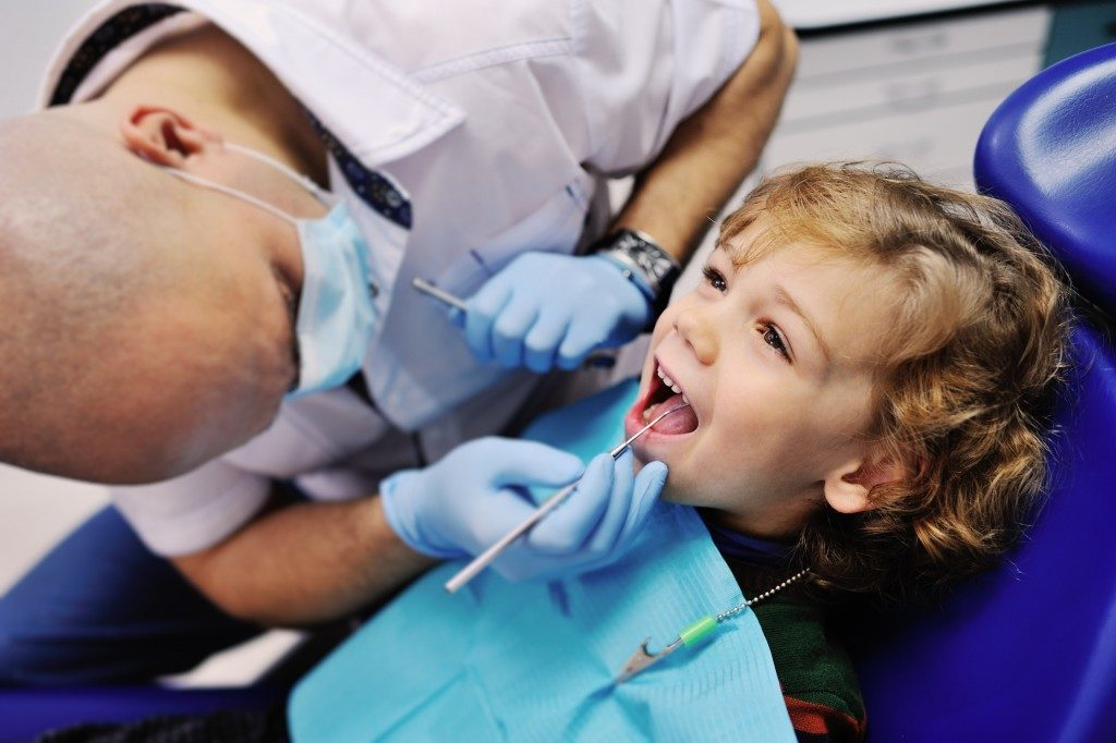 child at the dentist's office